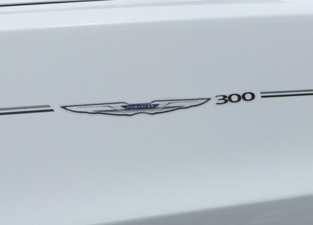 Chrysler 200 300 decal vinyl pinstripe emblem stripe logo decal graphic graphics decals