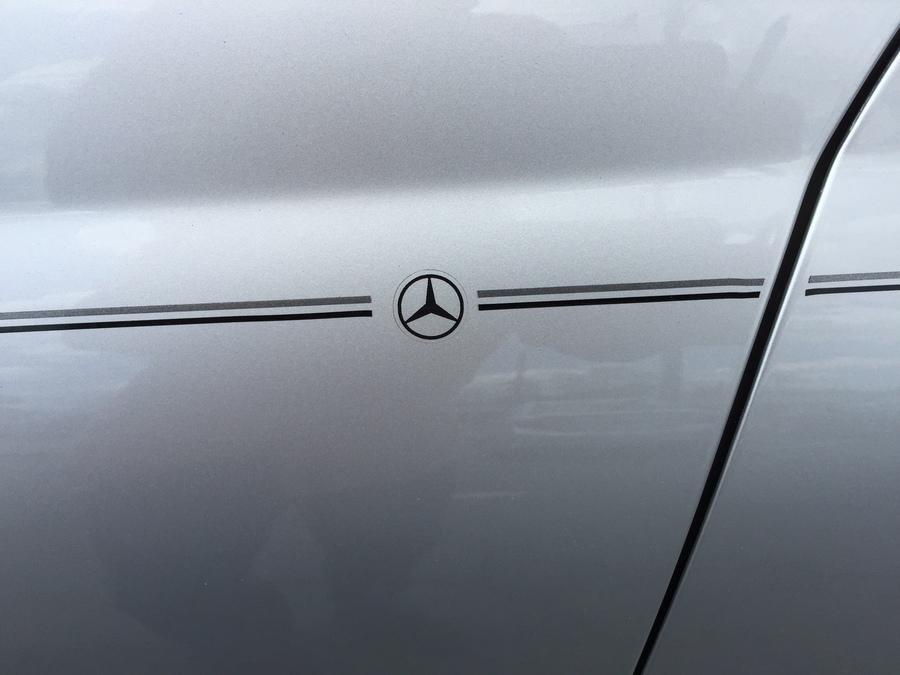 Violassi striping company mercedes benz logo emblem for Mercedes benz decal